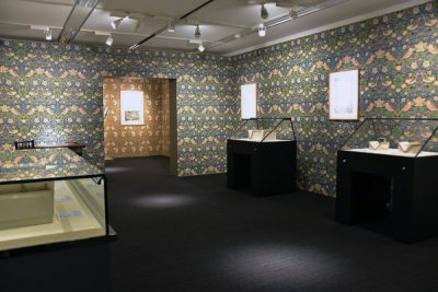 【明星ギャラリー】明星大学貴重書コレクション展 ウィリアム・モリス -理想の書物を求めて- 第Ⅲ期の展示を開始しました